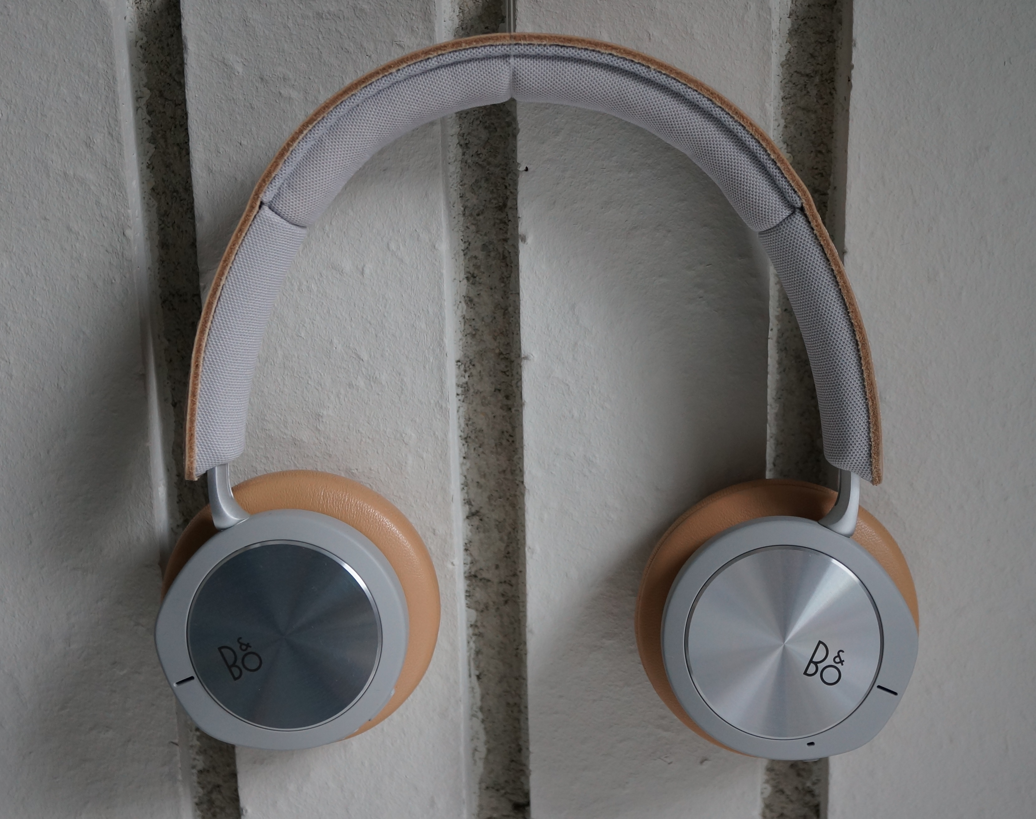 BeoPlay H8i Image