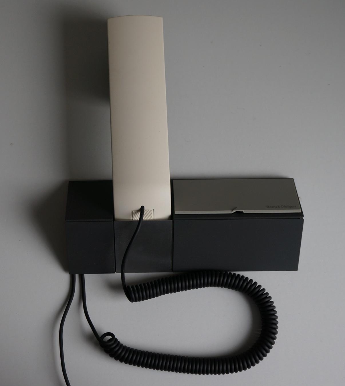 BeoCom 1500 mit Wandholder Image