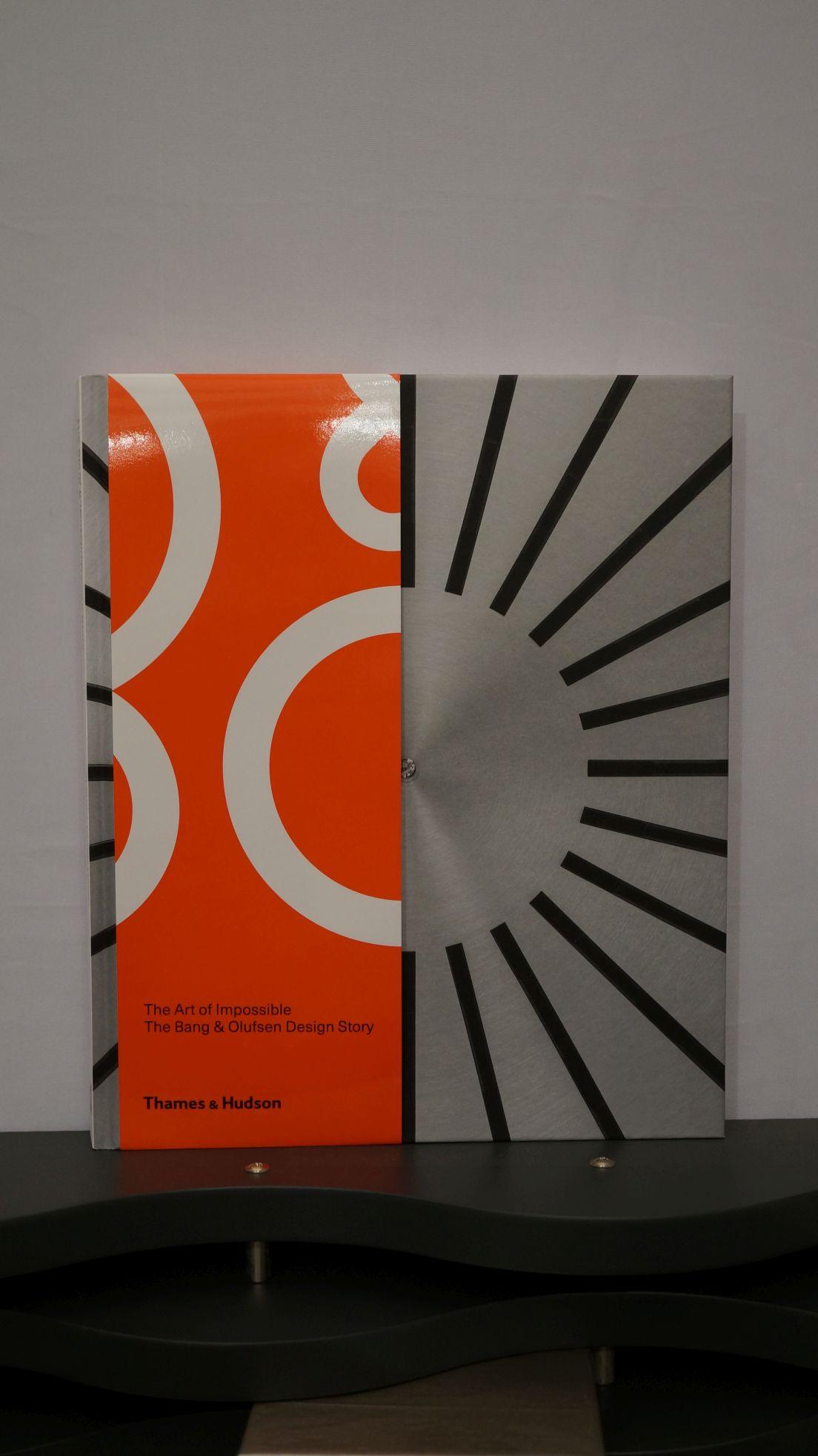 "90-Jahr-Jubiläumsbuch ""The Art of Impossible"" Image"